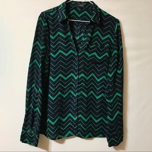 Limited navy and green chevron print blouse sz L
